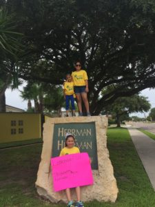 Lemonade-Day-at-Herrman-and-Herrman-2016