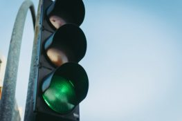 Deaths from Running Red lights at 10-Year High: How to Stay Safe